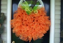 Door Decor / by Mindy Nowlin