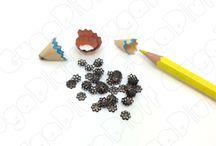 Minuteria (Rame) / Scopri la minuteria in rame: dai chiodini agli spilli, passando per le monachelle, gli anellini ed i moschettoni - www.gugapluff.it