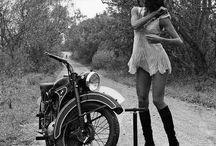 Motorcycles / Moto old school women cafe recer chopper
