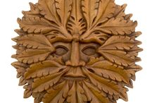 Timber-Treasures Green Man plaque 21cm / An ancient symbol of strength, life and fertility, the Green Man can be found on the walls of many medieval cathedrals and churches across Europe. Each Timber-Treasures Green Man is hand carved in the finest quality and detail from durable hardwood. A brass hanger is attached to the back of the carving so your Green Man plaques is ready to be hung, and is perfect for indoor and outdoor use. Dimensions: 21 cm diameter x 2.5 cm* *handmade disclaimer