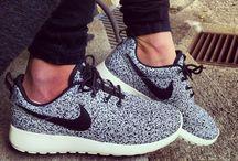Run walk jump / Sneackers & outfits