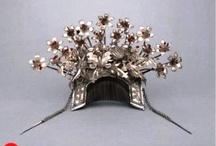 Jewelry - Books