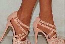 Shoes ♥ / by Danielle Trujillo