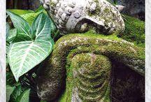 Tropical garden statues