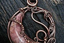 Bijoux en fil de métal
