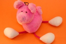 Piggy Hangable / With Suction Cup(s)