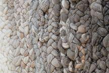 Muhkelot ja hapsut / Weaving, knitting, macrame, textile art
