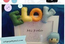 Marco de fotos con letras de fieltro. / Marco de fotos con letras de fieltro.