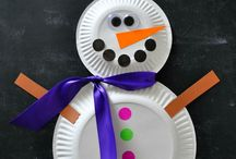 PAPER PLATE CRAFTS / by Dawn Marelli