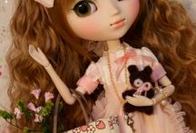 Blythe, Barbies & Dolls