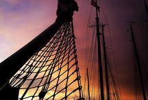 Mooie luchten rond de Zuiderzee / Wolkenpartijen, stralende zon of kleurige zonsondergangen. Wij zien het allemaal regelmatig voorbij komen aan boord van ons zeilschip de Zuiderzee (http://www.zuiderzee.eu) - Meebeleven? Zeil een keertje mee!