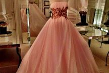 Fashion: Glamourous Gowns / by Donna D'Amico