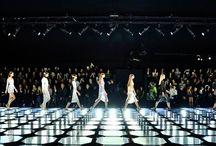 Thèmes : défilés de mode / Stage set