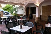 Terraza El Molino / Amplia terraza de verano, donde podrás degustar una variada oferta gastronómica andaluza.