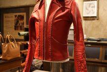 Leather Jacket KAEN(火炎)レザージャケット / 細身でタイトフィットでキメる70'sロックテイスト満載のデザイン。そしてハンドステッチによる手法による完全ハンドメイド。一度きりの人生の中でBobby Art Leatherがハンドメイドでのレザーアイテムを制作できる数なんてたかが知れてます。その限られた一着を人生の相棒として袖を通してくださるひとりひとりの方達と人生の儚さと感動を分かち合いたいとココロから願います。 http://bobby-art-leather.com/2792