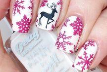 Weihnachtsnägel / Weihnachtsnägel rot, Weihnachtsnägel Glitzer, Weihnachtsnägel weiß, Weihnachtsnägel einfach, Weihnachten Nägel, weihnatliches Nageldesign, festliche Nägel, Christmas Nail Art Designs, Winternägel glitzer, Weihnachtsnägel schlicht