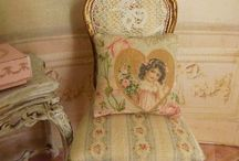 Poppenhuis stoelen