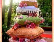 Beautiful cakes / by Rossana Geddes