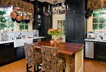Kitchens / by Shelly Cox-Galindo