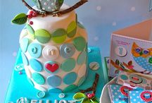 Cakes/Flowers/Sugar / by Cathy Gregory