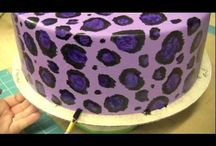 painting cakes