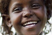 Sorrisi dal mondo e nel tempo
