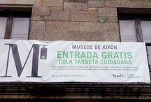 Cartelos en Llingua Asturiana / Escoyeta de semeyes de cartelos escritos en Llingua Asturiana.