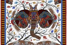 Elephant Parade / This stunning pocket square design by Robertto's blends Asian and African imagery to produce an accessory which manages to be both eye-catching and unique, while maintaining a classic elegance and charm that harks back to an older world of discovery. With its ivory and arboreal pattern, this is a high quality pocket square which dazzles the senses, and would bring a touch of ancient regality and timeless sophistication to any outfit.