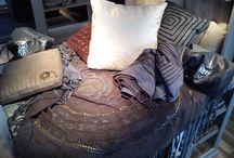 Kapy, narzuty / Luksusowe, ręcznie wykonane dodatki skórzane.