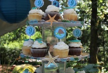 cupcakes and displays / by Zoe Farmer
