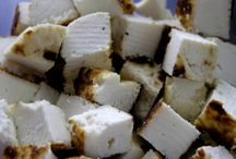 Suomalaisia juustoja / Juustoja, jotka löytävät vuodesta toiseen tiensä suomalaisten ruokapöytään