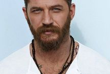 Tom Hardy Haircuts / Recently, Tom Hardy's haircuts and beards are in really good shape.Particularly, the actor gets attention because of the blockbusters in most of the movies he plays. So, tom hardy's hairstyle and beard styles began to attract attention. Tom Hardy's short and long hair styles are very popular by fans because it has a versatile look.