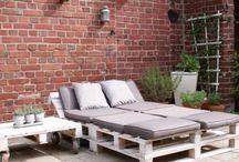 Gartenmöbel aus Paletten / #DIY #Redesign #Palettenmöbel #upcycling #Selbermachen #Paletts
