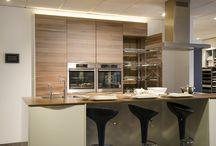 Keuken met ingebouwde kasten / keuken met eiland, en ingebouwde kasten