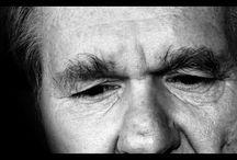 Acerca de la Distimia / La distimia es una forma leve, pero crónica, de depresión. Los síntomas de la distimia suelen durar al menos dos años, y muchas veces durante mucho más tiempo que eso.