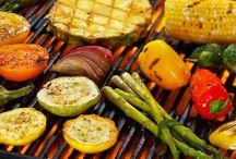 Любим готовить / Наш шеф повар готовит потрясающий шашлык, который тает во рту. Попробуйте один раз, вам понравится!;)