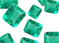 Edelsteine / Lose Edelsteine wie Rubine, Saphire, Smaragde, Tansanite, Aquamarine, Topase, schwarze Diamanten, weiße Diamanten, blaue Diamanten, gelbe Diamanten, champagnerfarbene Diamanten und Pink Diamanten. Diese Edelsteine können Sie auch in unserem Shop unter www.juwelierhausabt.de oder unter www.pearlgem.de sehen und erwerben.