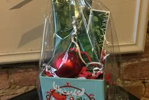 Holiday items from Mary Kay / Gift baskets
