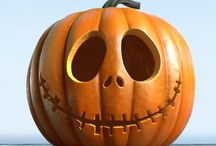 Pumpkin Carving and Decorating Ideas / You can get super crafty and creative with the most detailed Halloween pumpkin carvings. You can get creative and paint your pumpkin. Regardless this board will give you some beautiful ideas and inspire you.
