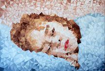 """KRİSTALİZE / Çetin Pireci'nin """"Kristalize"""" başlıklı eserleri,. Sanatçı; görsel algımızla oynayarak bir çeşit manipülasyon ve illüzyonla oluşturduğu, son dönem çalışmalarını """"Kristalize"""" başlığında birleştiriyor. Doğayı ve insanı emek yoğun bir süreçle kristalize ettiği; Son Şans ve Uyuyan Güzel serilerinden seçilmiş eserler, kendimize tekrar bakmamız için bizi uyarıyor."""