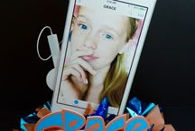 iPhone and Technology Party Decorations / Trendy and popular party ideas for the techie people