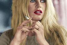 Smoking - allowed.Kouření - povoleno!⭐⭐⭐