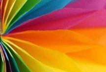 Kleur / Dit bord gaat over kleur. Met kleuren kun je van alles doen. Mengen, verhelderen en verdonkeren. In dit bord laat ik heel veel mogelijkheden en kleuren zien! :)