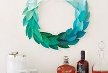 Wreaths We Love / by Jennifer & Kitty O'Neil