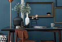 Bureau en speelhoek / bureau, tv-hoek, zithoek, speelhoek, polyvalente ruimte.