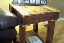 Pallet End Table / by Amy Berg