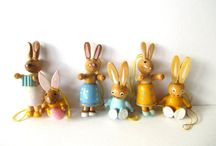 Vintage wooden Easter eggs, ornaments and bunnies / So adorable these old easter figurines and eggs. Love the craftmanship.