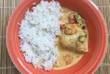 Curry de poisson, lait de coco et crevettes / http://alatabledaida.blogspot.fr/2017/05/curry-de-cabillaud-crevettes-et-lait-de.html