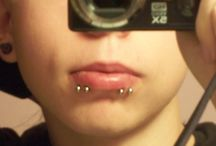 Spider Bites Piercings / http://fabulousdesign.net/spider-bites-piercing/ Today, lips piercings are extremely popular and one of its great example is the spider bites piercing. Yes, such piercing is located on the lips, particularly on the ...