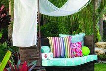 Backyard Retreat / Inspiring Backyard Retreats and idea's for your landscape.